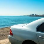 車の熱中症対策 暑い車内の温度を下げて涼しく快適にする方法とは?